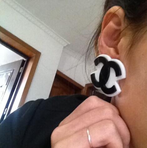 European New women' sexy black patchwork white big c acrylic  earring female bar nightclub classic brand letters earring(China (Mainland))