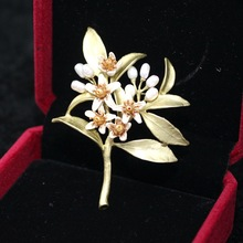 Mother's Gift Top Grade Orange Blossom Brooch Elegant Pearl Flower Brooches Banquet Corsage For Women Dress Wedding Brooch Pin(China (Mainland))