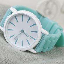 Ginebra helado ultrafino dulces banda de silicona de color Simple hollow pointer amante de reloj de cuarzo de las mujeres y hombre relojes de los estudiantes