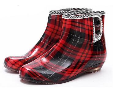 2015 New Women Rain Boots Rubber Sole Women's Short Waterproof Shoes Warmming Cotton Design Free Shipping XWX476(China (Mainland))