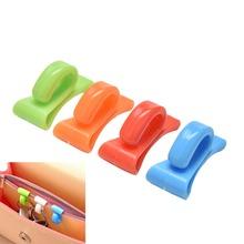 2PCS/Lot Plastic Novelty Mini Cute Creative Anti-lost Hook Within The Bag Key Storage Holder Rack Random Color Hot Sale(China (Mainland))