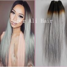 de cabello gris plata