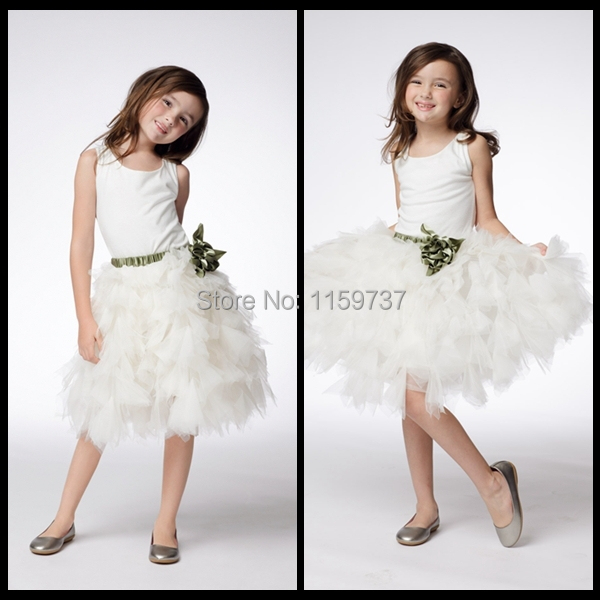Cute Jewel Neck Flower Girl Dresses Ruffles Fluffy Ivory Satin and Tulle Pageant Dresses for Girls With Green Hand Made Flower(China (Mainland))