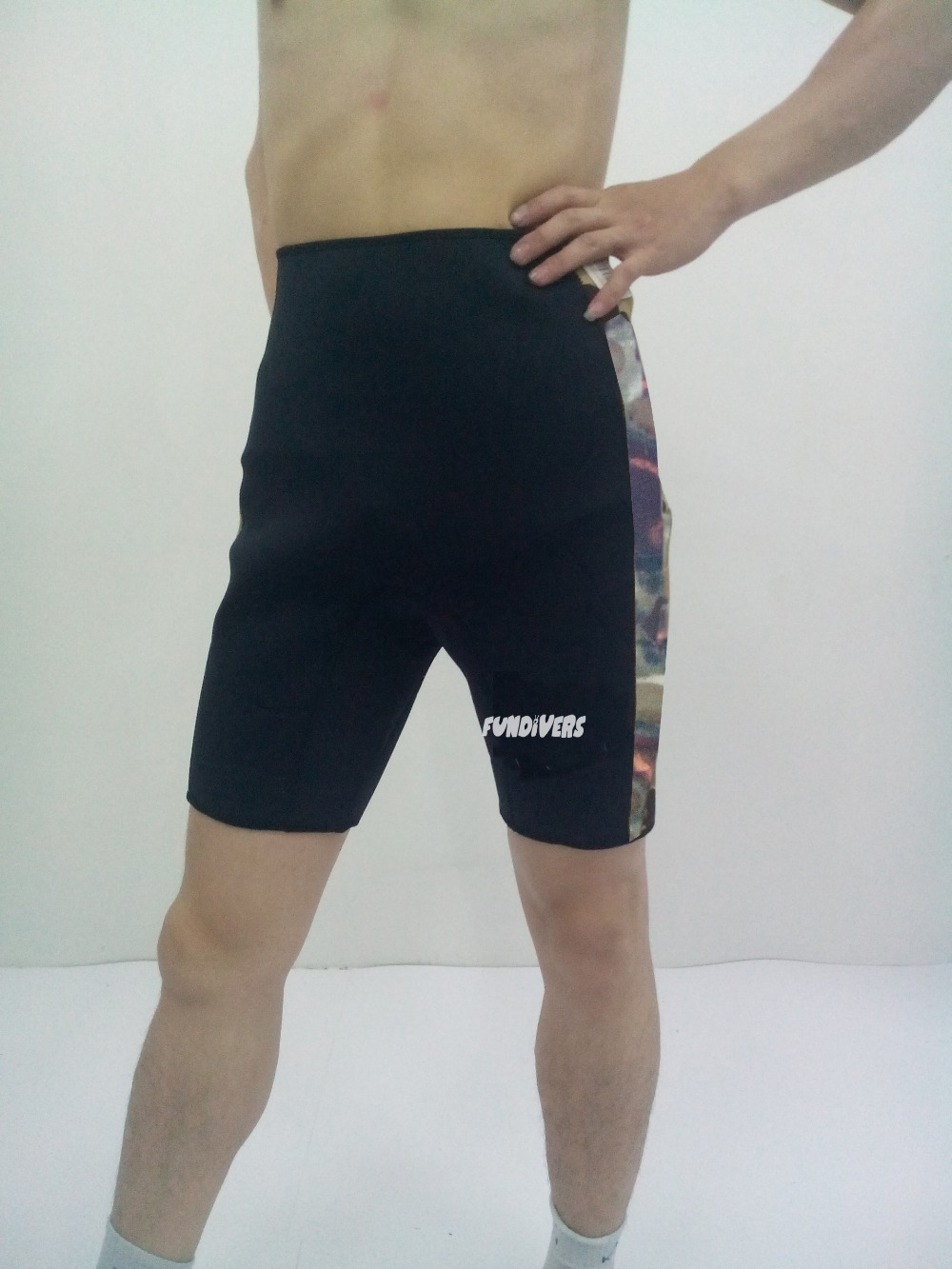 fundivers 2015 new selling hight quality 3MM camo neoprene shorts and wetsuit welcome to order(China (Mainland))
