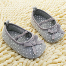 Hot Sale New Baby Soft Bottom Antiskid Toddler Kids Polka Dot Bowknot Crib Shoes