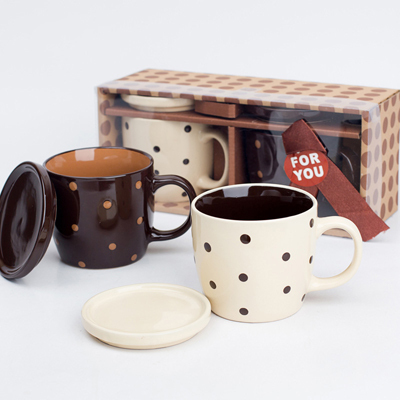 2 Pcs Couple Mug Set Black and White Creative Coffee Cup Tea Cup Gifts for Valentine