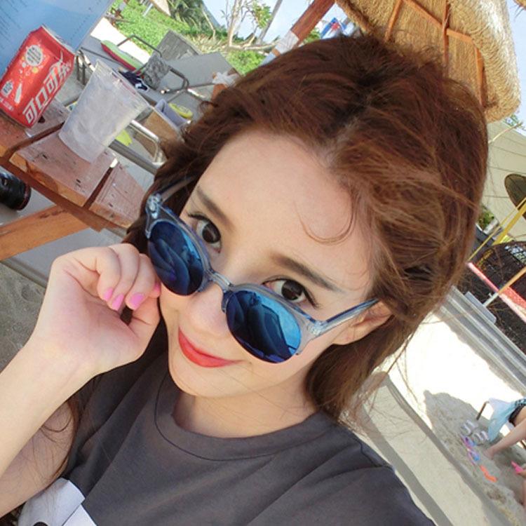 Женские солнцезащитные очки CJ103