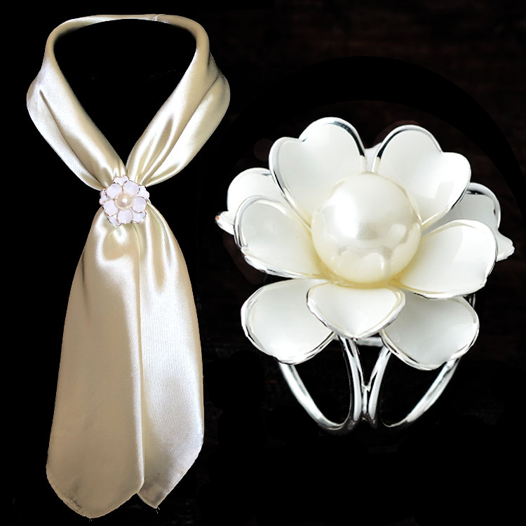 2015 Fashion Woman Camellia flowers pearl Gold Silver plated Brooch Pins/Silk scarf Jewelry Accessories/ Scarf buckle ring clips(China (Mainland))