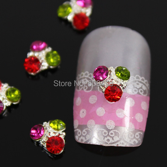 A106 100pcs/lot Silver Alloy Triangle Mix Colorful Rhinestones 3D DIY Metal Decorations Salon Cellphone Nail Art Craft Decor(China (Mainland))