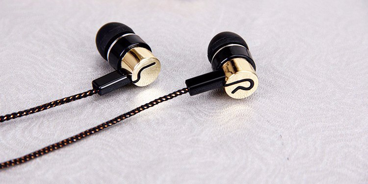3.5mm Earphone Noise Isolating Headset Wired In-Ear Stereo Metal Piston Earbuds Universal earphone For Phone Samsung Mp3