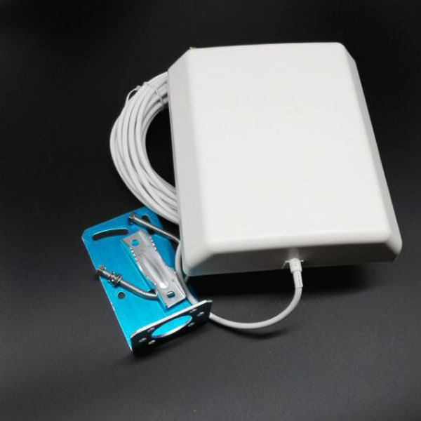 high gain wireless wifi 14dbi outdoor antenna 2.4ghz 14dbi panel patch antenna with 10 cable(China (Mainland))