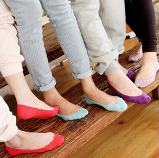 Горячая распродажа 2016 сплошной цвет летний стиль с мелкой невидимые носок