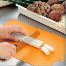 Flexible plastic cutting board antibiotic Portable hygiene practical convenient Chopping block Home Kitchen Tool RD871749(China (Mainland))