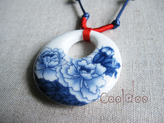 Free shipping Blue peony flower pattern classical china tradition classical ceramic handmade souvenir necklace for women girls(China (Mainland))