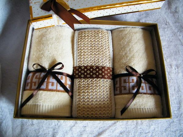 Cake towel gift box gift set commercial gift promotional lovers birthday(China (Mainland))