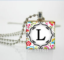Wholesale Scrabble Jewelry Personalized Jewelry Letter of Your Choice on Bright Floral Pattern Scrabble Tile Pendant Necklace(China (Mainland))