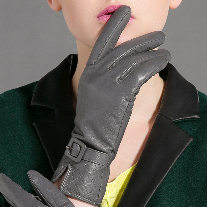 Free Shipping Gloves 2014 Autumn Winter New Women Genuine Leather Gloves Goatskin Pin buckle Black Plus Velvet Warm MotorcycleОдежда и ак�е��уары<br><br><br>Aliexpress