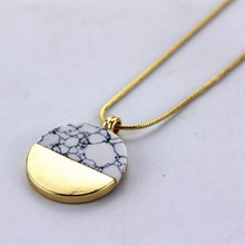Free shipping Fashion accessories Sell hot circular white red pink black blue green stone Short Ms necklace Wholesale