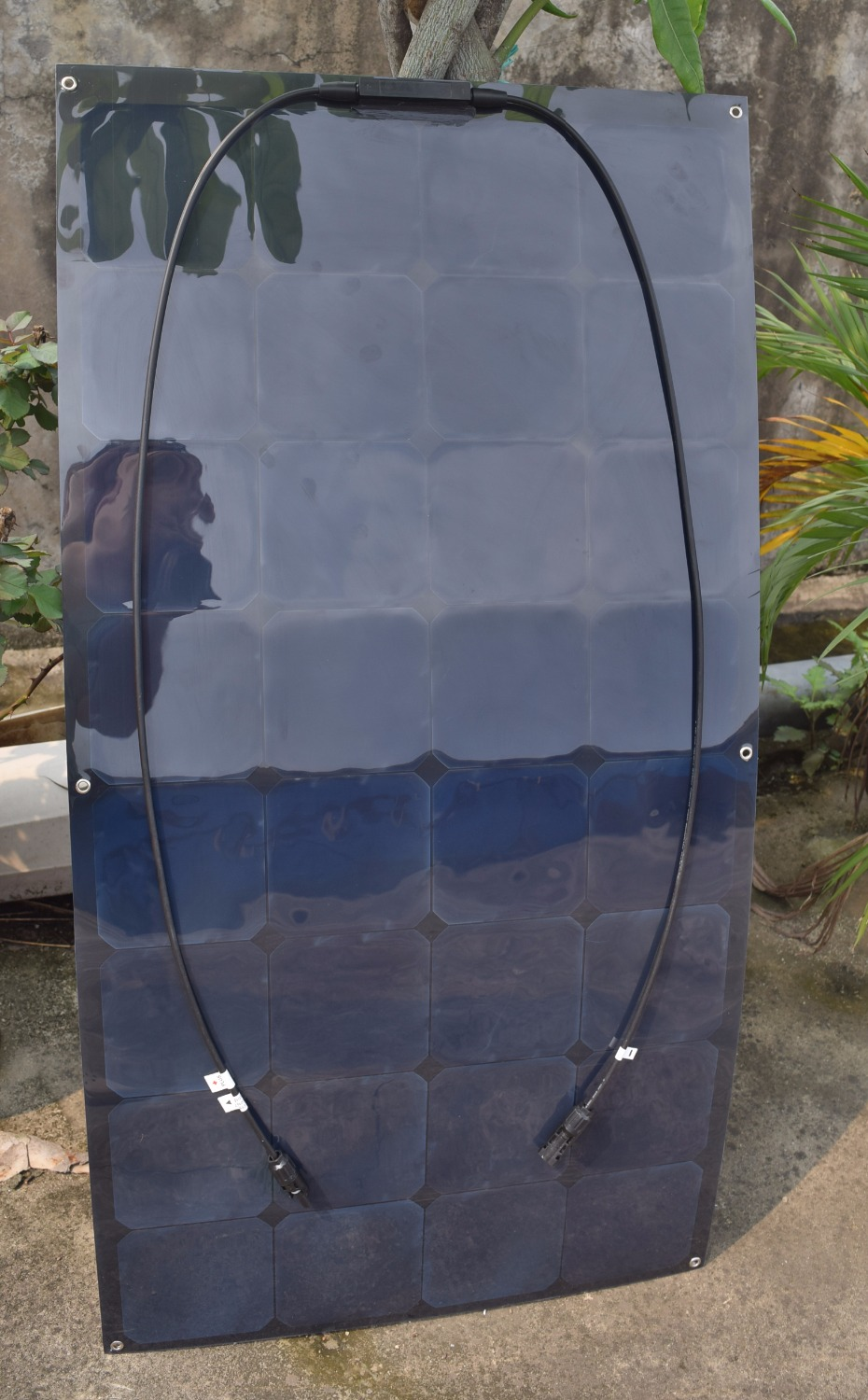 10PCS 100w Black background flexible thin film solar panel made with high efficiency SunPower Cell(China (Mainland))