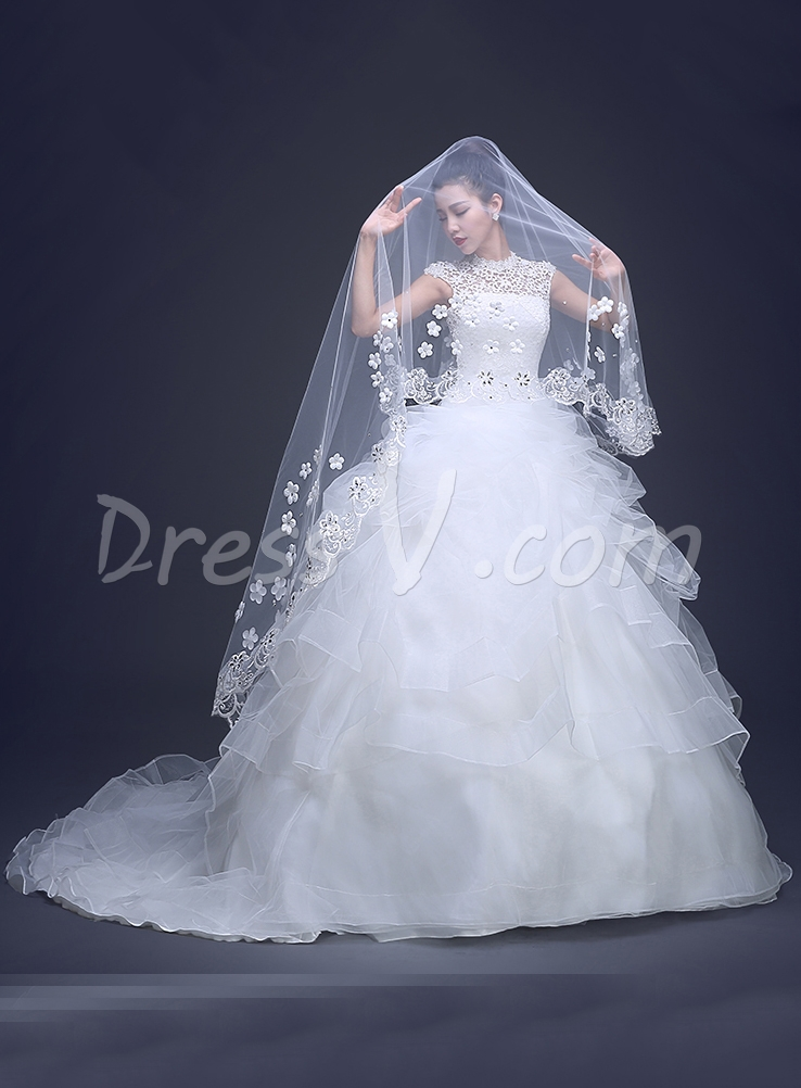 2015 Wedding Accessories One Layer White Tulle And Lace Wedding Veil Beaded Lace Edge Floral