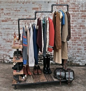 American vintage clothing store shelf floor coat rack hanger to do the old wrought iron pipe clothing display(China (Mainland))