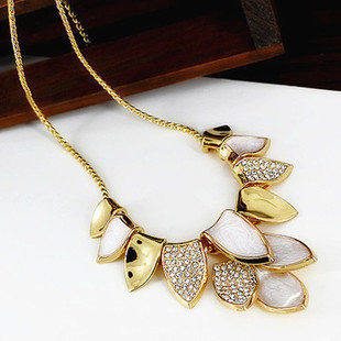 New Korean Fashion Women Elegant Rhinestone Wedding Jewelry Metal Leaves Gold Chain Choker necklace,mix $5 Free shipping X106