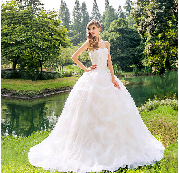 2015 spring and summer original design small shallow champagne England trailing wedding palace(China (Mainland))