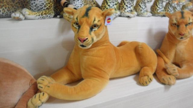 stuffed artificial lion plush lioness living animal doll classic toys children gift - Truman Hua's store