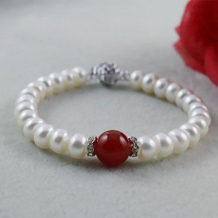 100% natural freshwater pearl bracelet with green color and red color agate Jewelry Handcraft pearl bracelet Jewlery Classic(China (Mainland))