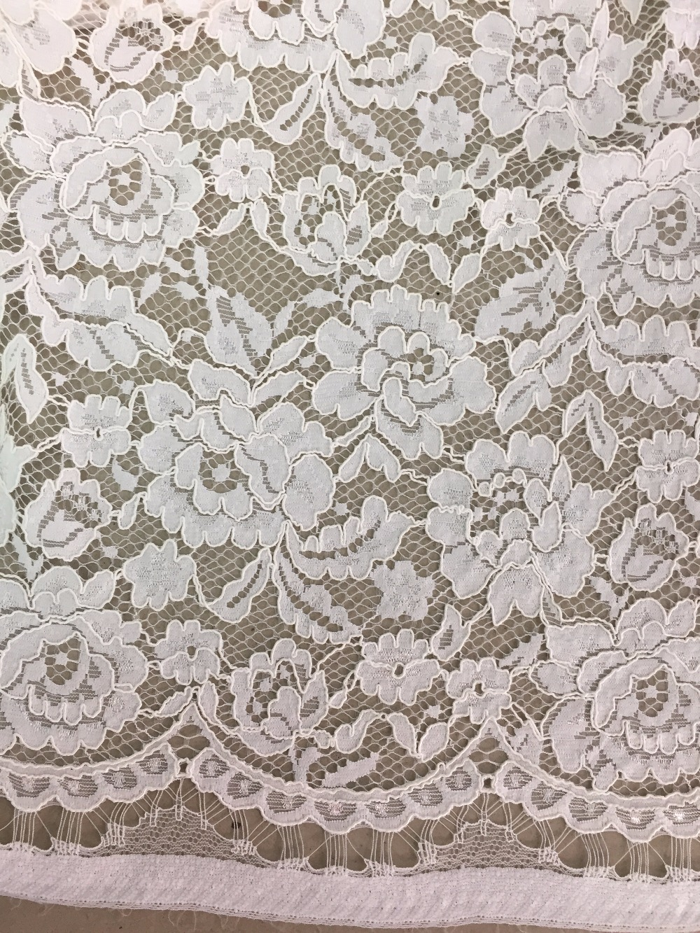 Popular chantilly lace fabric buy cheap chantilly lace - Chantilly telas ...