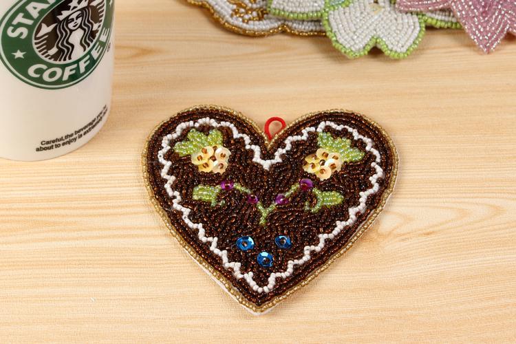 Creative cute hand-beaded doily place mat bowls mat coasters heat pad washable pad Love Series Free shipping(China (Mainland))