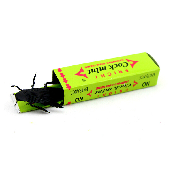 Funny Exploding Cockroach/Spider Chewing Gum Toy shock chewing gum A spoof those trick toys whimsy toys(China (Mainland))