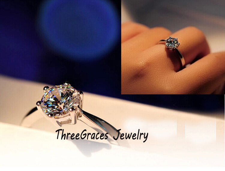 Top Quality Classic 0.5 Carat Round Brilliance Cut AAA+ CZ Synthetic Diamond Solitaire Engagement Rings For Women (R001)(China (Mainland))