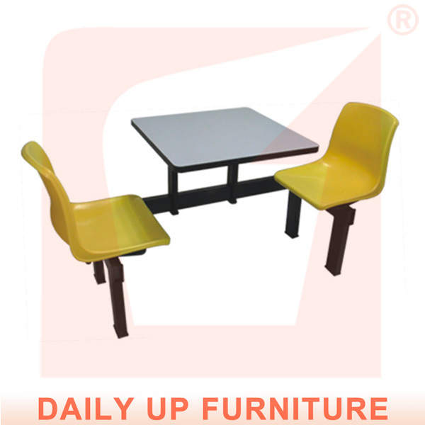 Tables and chairs for restaurant modern dining set fast for Ensemble cuisine table chaises