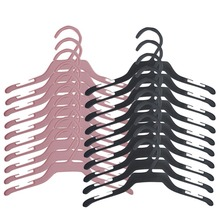 10PCS New Practical Plastic Clothing Pet Hangers Pet Products E1Xc