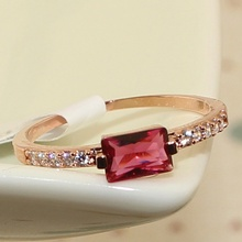 Single Row CZ Diamond Ruby Red Rectangular White Gold Filled Ring Women's Finger Rings Lady Fashion Jewelry