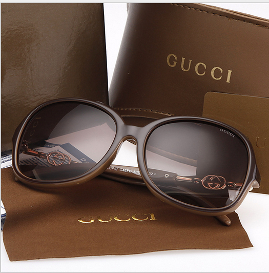 2015 New model High quality summer women sunglasses outdoor eyeglasses brand design larger glasse with boxes with original box(China (Mainland))