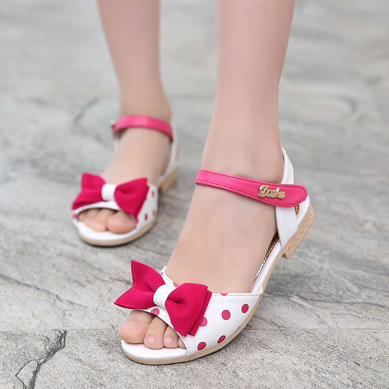 Sears has girls' shoes to help your child find a look she'll love. Choose from stylish girls' dress shoes, sandals and more for you little one's outfit.