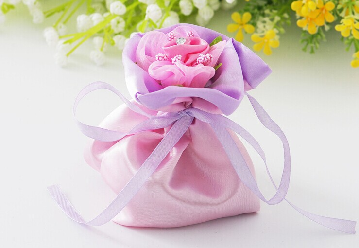 Free Shipping 13*10.5cm 50pcs/lot Wedding Party Brocade favor gift bag, sweet candy container bags(China (Mainland))
