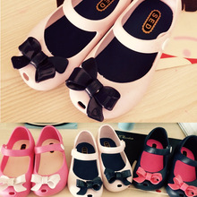 2015 Summer Children jelly Sandals Mini Melissa Cute Bow Girls Shoes Skid Proof Soft Bottom Kids Shoes With Fragrance 001(China (Mainland))