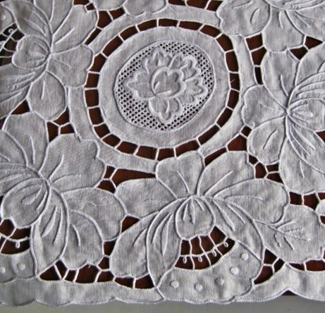 Handmade embroidery!!Fashion classic vintage white table cloth linen square,lady pastoral cute design american style tablecloth(China (Mainland))
