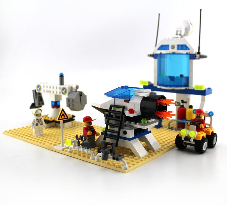 292Pcs Enlighten International Space Station Astronaut  Assembling Building Blocks Set Minifigures Compatible With Lego<br><br>Aliexpress