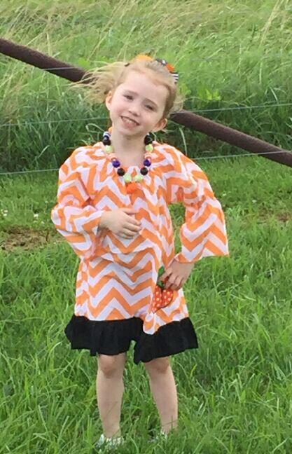 2015 new arrival kids punpkin dress kids boutique chervon dress girl orange halloween dress with necklace and bow(China (Mainland))