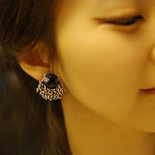 Min.order is $10 (mix order)Fashion Earring.Gorgeous Black Gem Simulated Diamond Earrings 122035K(China (Mainland))