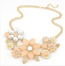 Fashion Jewelry 2014 new Fashionable Bright Flower Chokers Necklace Charm Rhinestone Necklace and Pendant gift Lowest(China (Mainland))