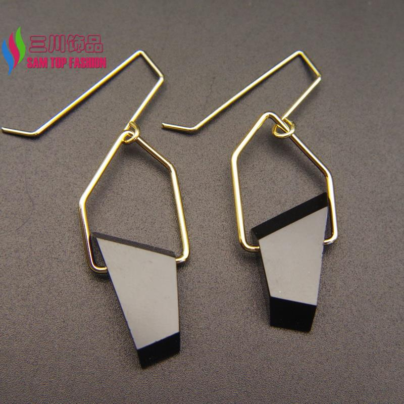 2016 New gift jewelry Fashion Quality Black/White irregular Resin stone Geometric Drop Earrings For Women party show(China (Mainland))