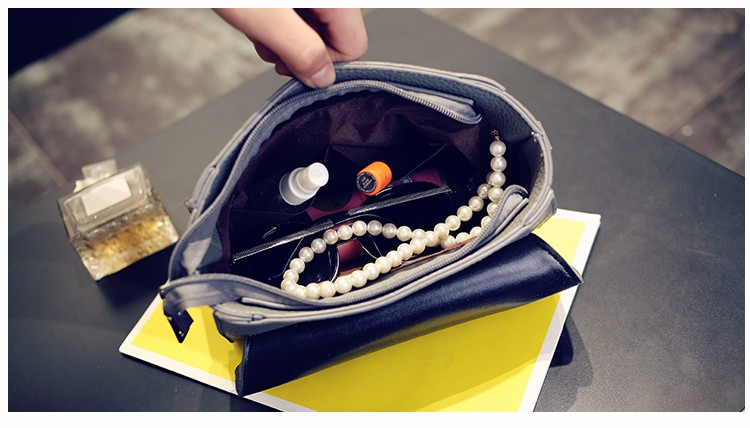Chic Lock Closure Japan And Korean Style Small Handbag Women Classy Trendy Crossbody Bag Ladies Exquisite Cute Shoulder Bag