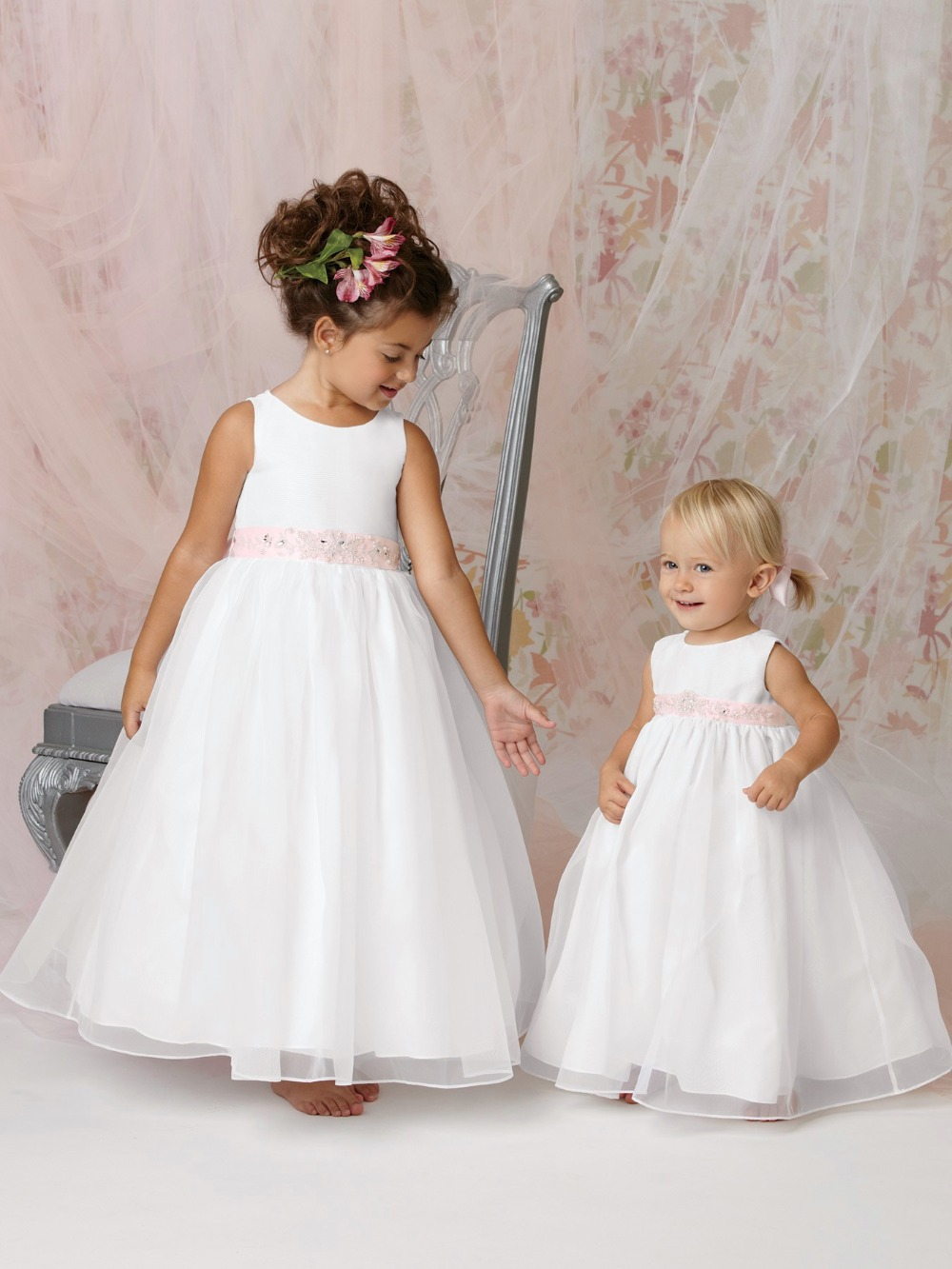 Latest dress designs for flower girls white flower girl for Flower girls wedding dress