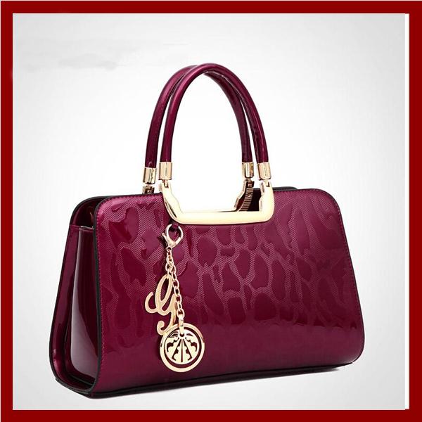 Russia style women shoulder bag women handbag crossbody Bags Genuine patent leather pendant tote women messenger bag Clutches(China (Mainland))