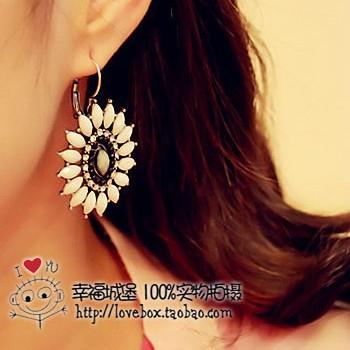 Free shipping europe and the United States jewelry beautiful sunflower retro earrings(China (Mainland))